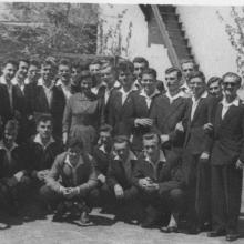 1960. május 14. Osztályunk, a III. B Olgi nénivel (dr. Gyuris Jenőné alias Brehm anyó) ...